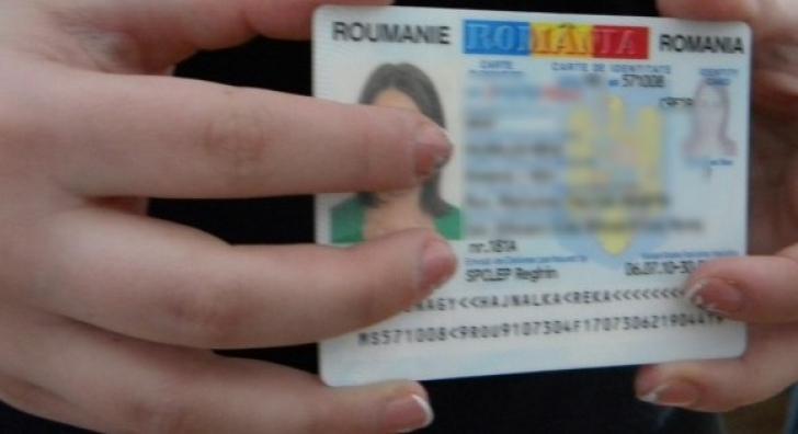Percheziții de amploare la persoane care falsificau acte de identitate