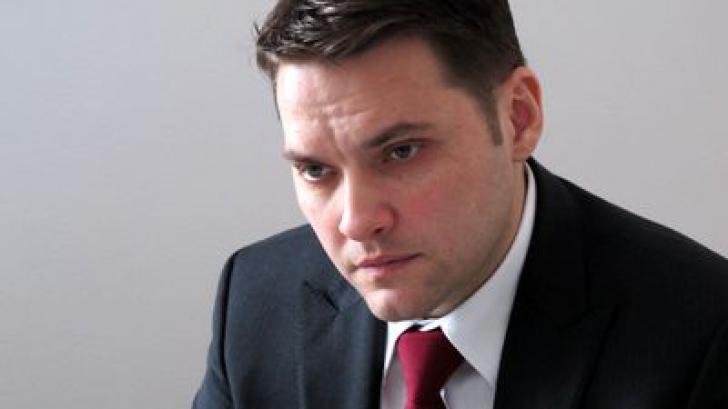 Cine sunt senatorii care l-au consolat pe Dan Șova la dezbaterile pentru votul privind arestarea sa