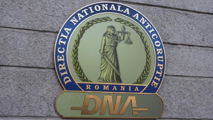 Șefului Centrului de Arest IPJ Neamț, cercetat de DNA pentru că a luat mită 500 de euro și o oaie