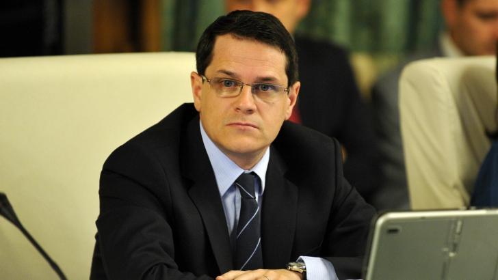 Eduard Hellvig, interviu după o lună de mandat: SRI trebuie să rămână în afara jocurilor politice