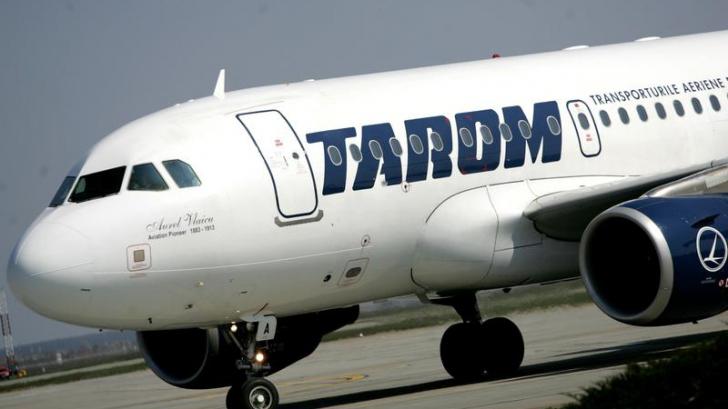 TAROM: Niciodată nu rămâne o singură persoană în cabina de pilotaj, în timpul zborului