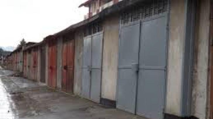 Reprezentanţii Primăriei, şocaţi de ce au descoperit în garajele ilegale din Satu Mare