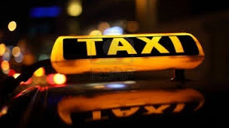 Un taximetrist a ameninţat cu pistolul un biciclist cu care s-a certat în trafic