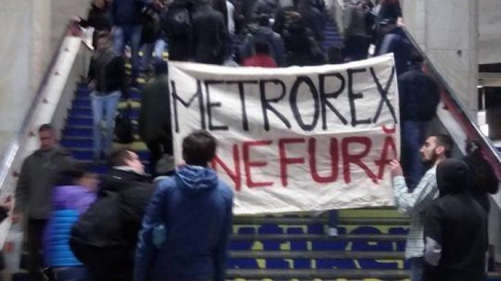 """Protest la Metrou, după anunțul privind majorarea tarifelor: """"Metrorex ne fură!"""""""
