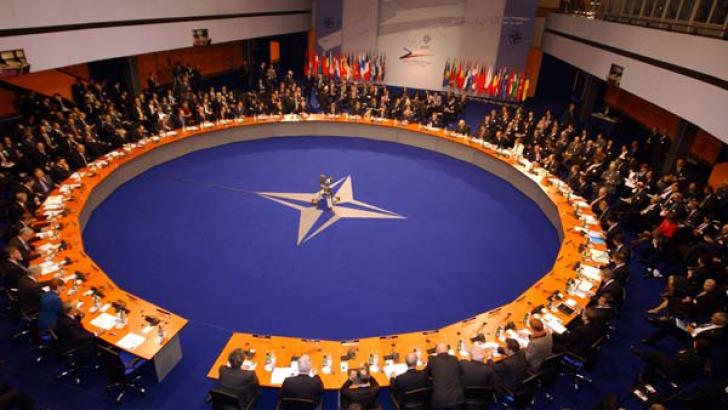 Discuții aprinse între NATO și Rusia asupra situației din Europa: Trimiteți trupe în alte țări