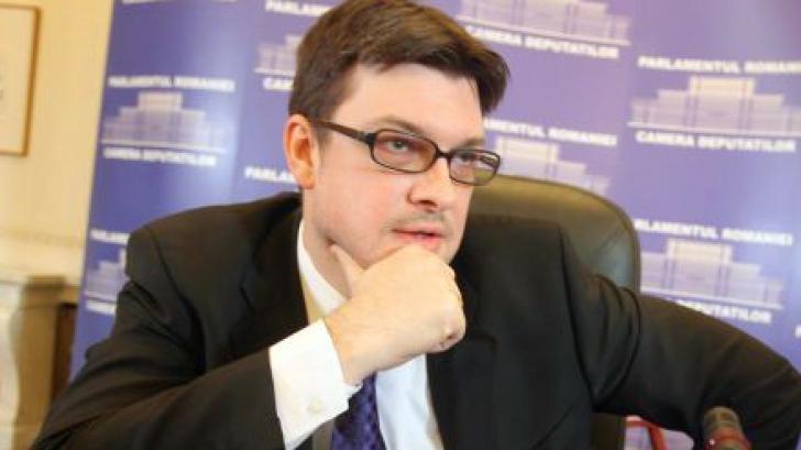 Ovidiu Raețchi (PNL): Oare Ponta vorbește cu Iulian Herțanu, cumnatul său evazionist?