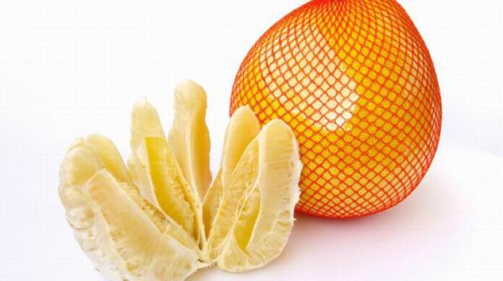 Lucrul neştiut despre POMELO. Ce conţine, de fapt, acest fruct. Mai mănânci?