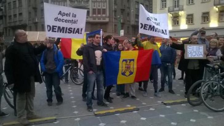 """Proteste în toată țara, față de cazul Șova: """"Și miruiți, tot o să plătiți!"""""""