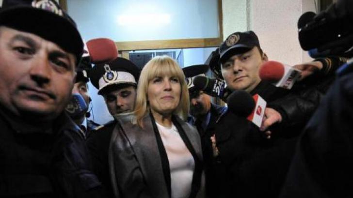 Elena Udrea află luni dacă i se prelungește arestul preventiv în Gala Bute