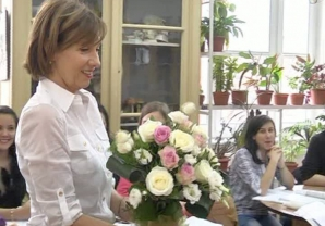 Carmen Iohannis, în vizită cu elevii la Parlament