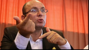 Cozmin Guşă: Amânarea votului Strategiei de Apărare, o tentativă de discreditare a preşedintelui