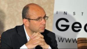 Cozmin Guşă: Cea mai mare vulnerabiliatea a ţării este Victor Ponta. Relaţia cu SUA este în pericol