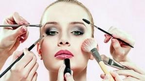 Greşeli de make-up care te îmbătrânesc