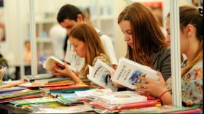 Cât de mult citesc românii? Avem doar 150 de librării, restul sunt colţuri unde mai sunt şi cărţi