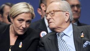 Marine Le Pen îi cere tatălui să nu mai vorbească în numele partidului