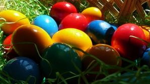 Cum să vopseşti ouăle natural
