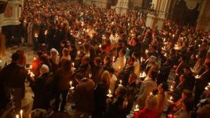 """Mii de pelerini ortodocși, la ceremonia """"Focului Sfânt"""" de la Ierusalim"""