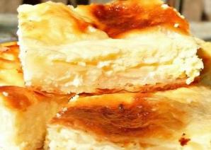 Cum faci cea mai bună plăcintă cu brânză dulce. Gata în 30 de minute!