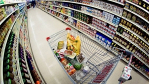 Ce părere au specialiștii din economie față de scăderea TVA la alimente