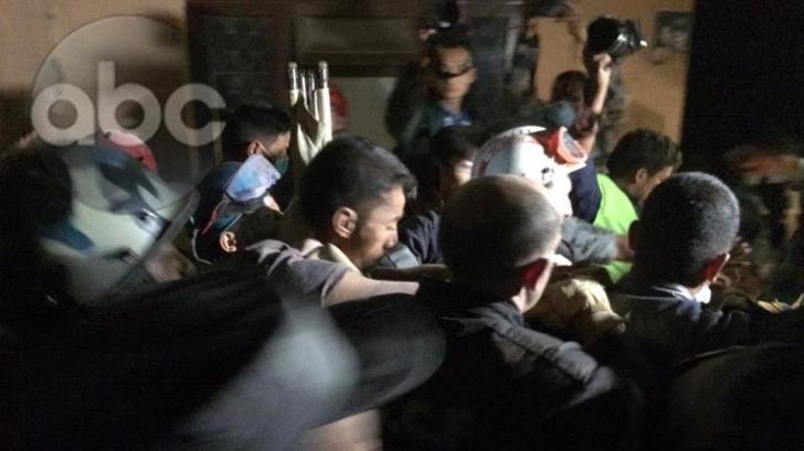 Salvare miraculoasă, după 83 de ore. Cum a fost scos un bărbat dintre dărâmături, în Kathmandu