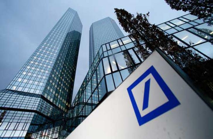Banca are operaţiuni şi în România