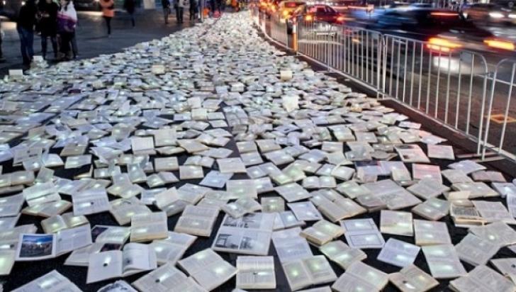 """""""Noaptea Cărților Deschise"""", pe 23 aprilie, în jurul Palatului Parlamentului"""