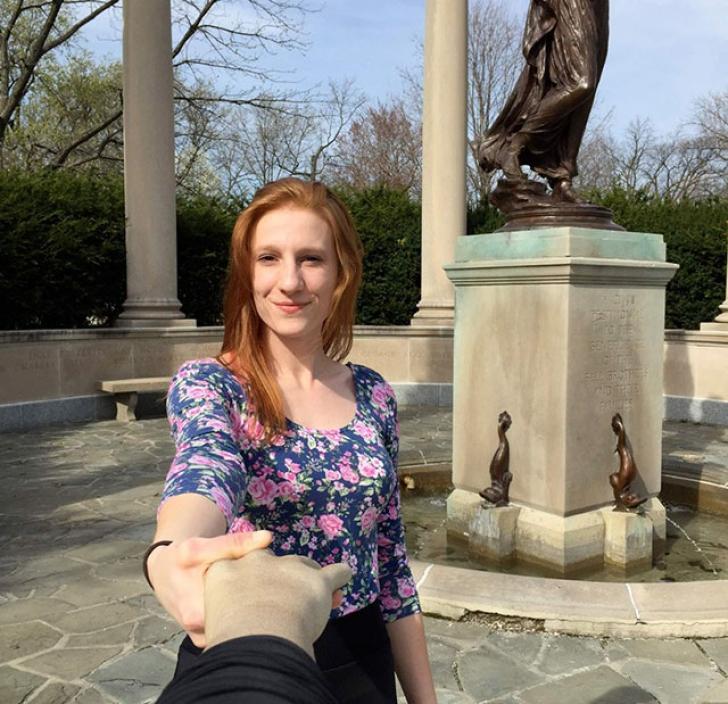 Selfie arm: cum să îți păcălești prietenii