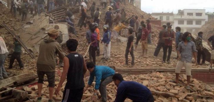 CUTREMUR NEPAL. Peste 4.300 de oameni au murit, aproape 8.000 au fost răniți UPDATE