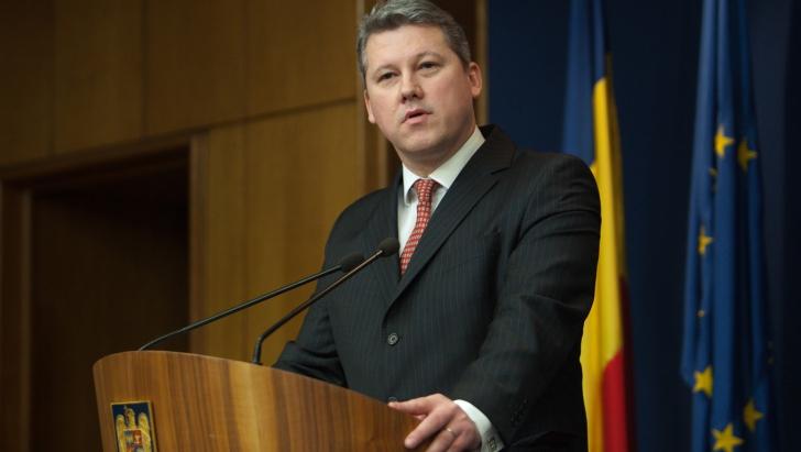 Predoiu: Premierul își face o lume 'Pontistă', cu accente de dictatură. Copiază din Traian Băsescu