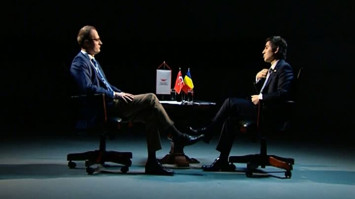 Alexandru Cumpănaşu şi ambasadorul Turciei la Bucureşti. Captură Realitatea TV