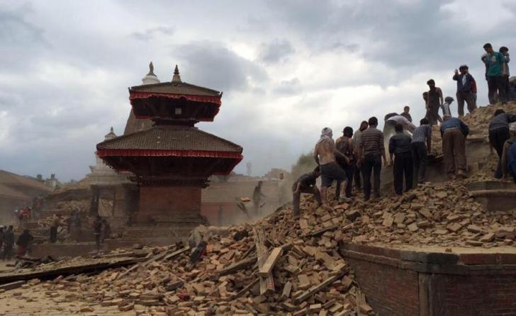 CUTREMUR NEPAL. Eforturile de salvare se intensifică. Comunitatea internațională trimite ajutoare
