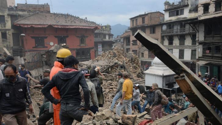 Încă un cutremur în Nepal: replică violentă, de 6,7 grade pe scara Richter. Resimţit şi în India