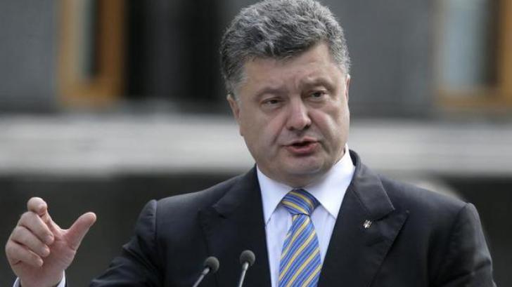 Poroșenko vrea să convoace un referendum pentru păstrarea statului unitar