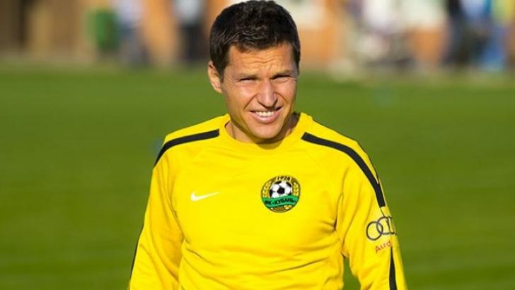 Groaznic! Un fotbalist a intrat cu 170 km/h într-un stâlp. Gigel Bucur este şocat!