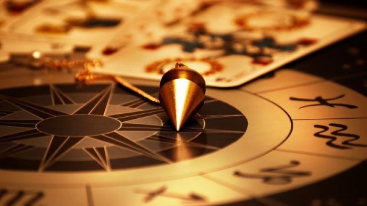 Horoscop complet pentru luna mai: dragoste, bani, carieră. O lună plină de surprize!