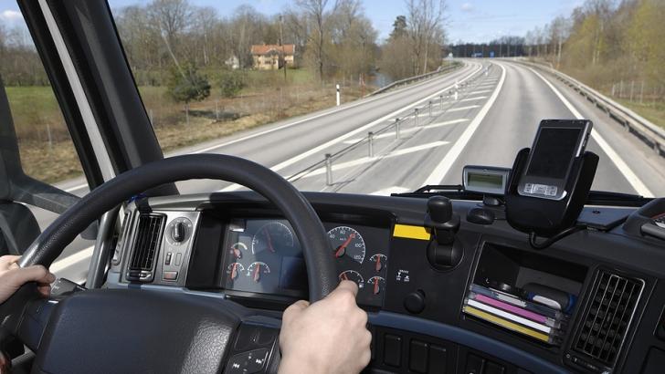 Cele mai neaşteptate amenzi de circulaţie pe care le pot primi șoferii