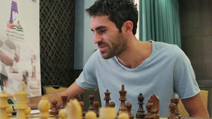 Scandal în lumea șahului. Un Mare Maestru trișa cu telefonul mobil