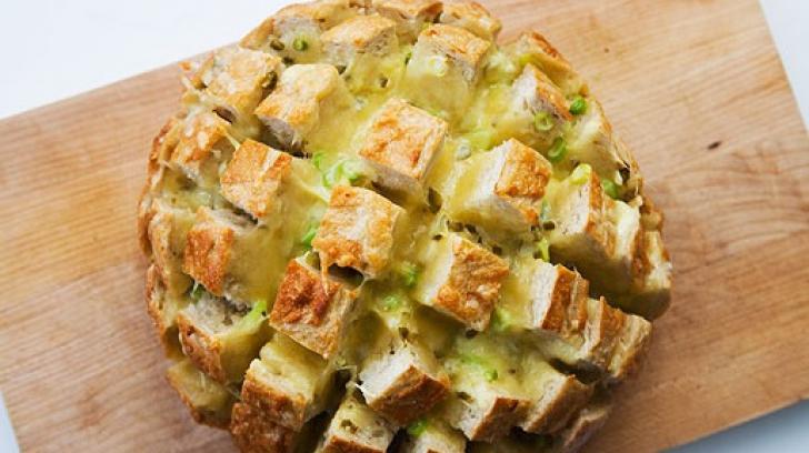 Pâine coaptă cu brânză