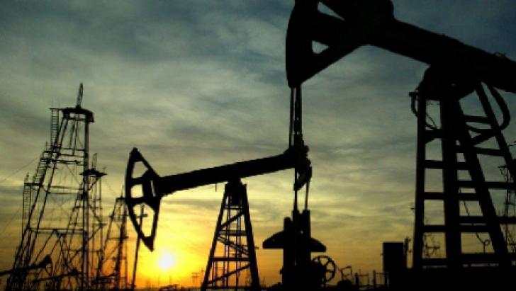 Criza din Grecia a dus la prăbuşirea preţului la petrol