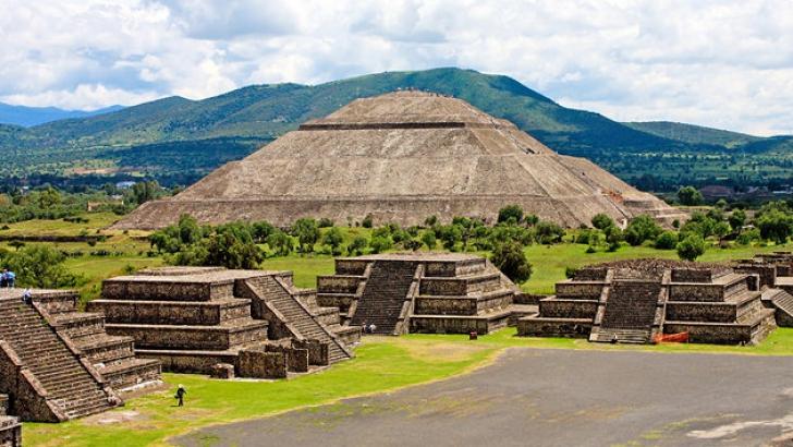"""Arheologii au făcut o descoperire fără precedent în oraşul aztec Teotihuacan, """"reşedinţa zeilor"""""""
