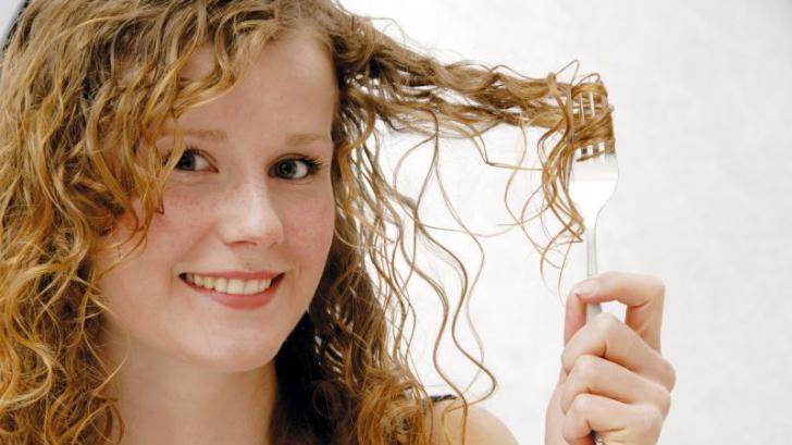 Trucuri inedite ca să scapi de părul gras