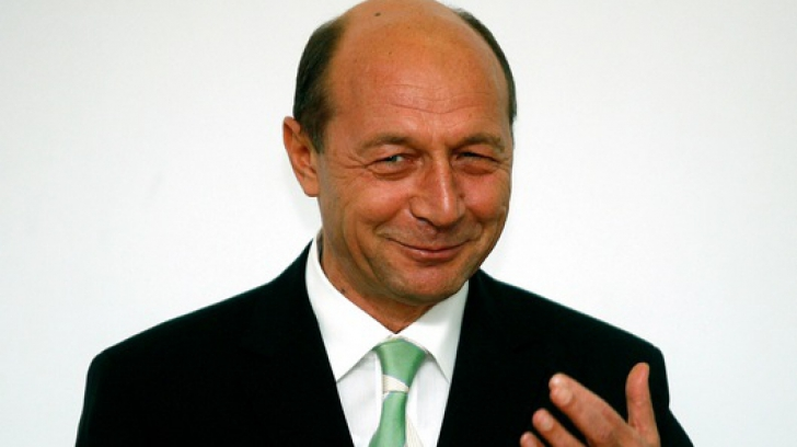 Traian Băsescu, mesaj inedit pe Facebook, la prima oră