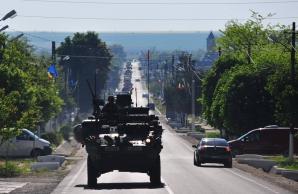 Blindate americane pe străzile României