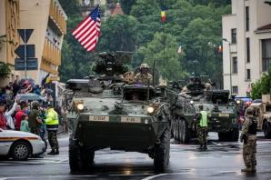 Marșul Cavaleriei - parada blindatelor a ajuns la Brașov