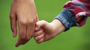 De ce este importantă implicarea taţilor în creşterea copiilor