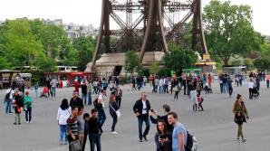 Români, hoţi de lux la Turnul Eiffel: Câştigau 4.000 de euro pe zi. Cum operau