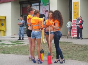 Măturătoarele sexy din Ucraina în ipostaze incredibile