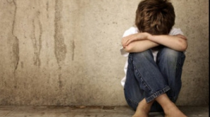 Caz şocant. Copil de 7 ani, violat de alţi doi minori