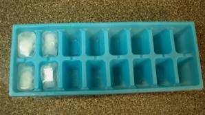 Pericolele ascunse din cuburile de gheaţă. Aşa îţi distrugi singur sănătatea