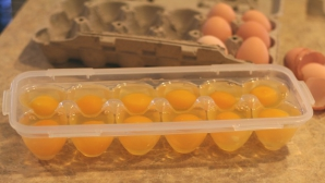 Ouăle se pot păstra la congelator crude sau gătite. Cinci metode